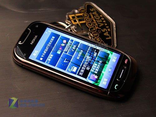 Первые качественные фото Nokia C7 - смартфона с 8 Мп камерой на базе Symbian^3