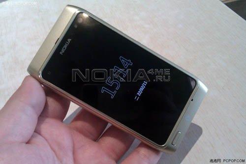 Nokia T7-00. Первые фото Symbian-смартфона
