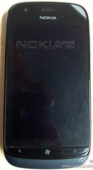 Шпионское фото смартфона Nokia Lumia 719